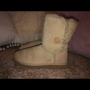 Bailey Button ll UGG Boot